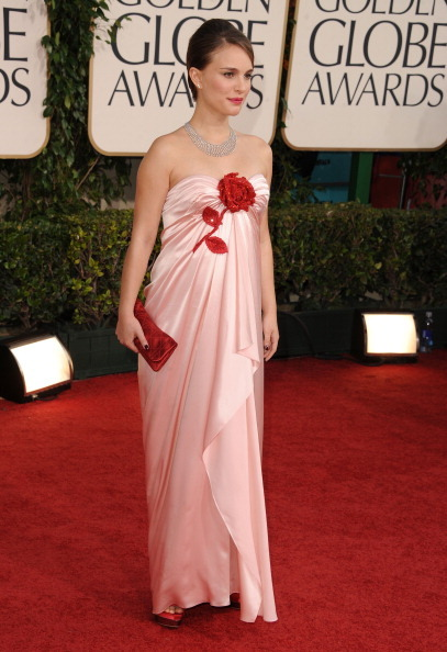 Natalie Portman - Golden Globe Awards, January 16th 2011 Sweet girl! Such romantic loveliness!