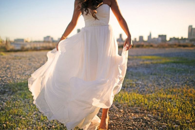 I want to get married in this dress. it's what I've always imagined for myself. gorgeous.