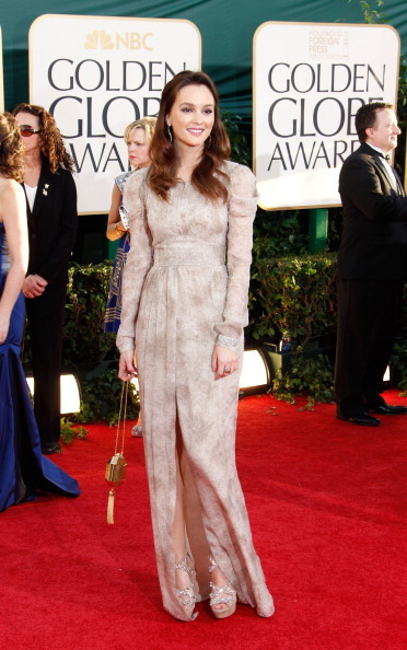 Leighton Meester - Golden Globe Awards, January 16th 2011 Leighton looks so pretty! Love the bag too!