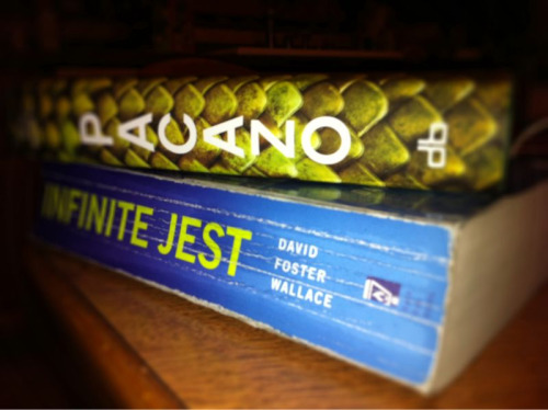 I finished Infinite Jest a couple of hours ago. I Aldo finished reading Sukkwan Island, a novella by David Vann. I'm going to start (finally) Pacazo.