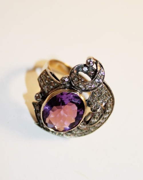 Antique Estate Amythyst w/Diamonds Ring  - 3.98k Oval Amythyst and 1.0k diamonds gold/silver it's so gorgeous I'm goona die!