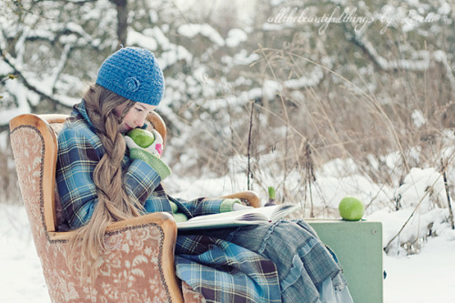 booklover:  (by Loreta)