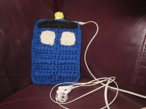 Crochet Tardis iPod Sleeve Yes, yes I will be making one of these. Or maybe two, so both my husband and I can have one.