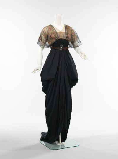 defunctfashion:  Evening Gown | c. 1913