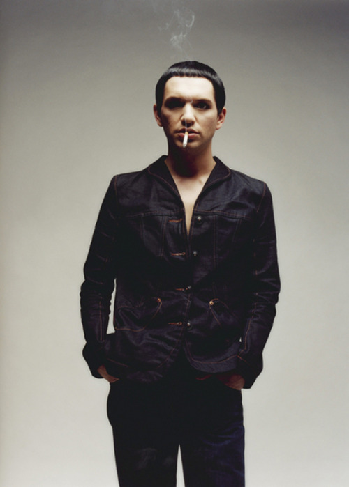 stopshowingoffyourcharm:  SMOKING HOT  <3 <3 <3