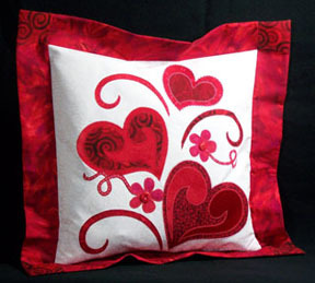 craftdiscoveries:  Janome - Keep the Heart Truth Growing Pillow