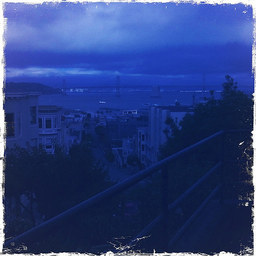 The Blue Hour, San Francisco (2010) Songs about the blue hour: Francoise Hardy: L'Heure Bleue Roy Orbison: When the Blue Hour Comes Nina Gordon: The Blue Hour Radiohead: The Gloaming Peter Fox: Schwarz zu Blau (Black to Blue) Calculate your next blue hour See also: Cerulean
