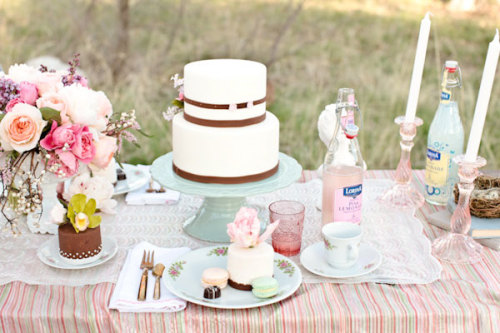 prettystardesigns:  Such a pretty table!   soo pretty.