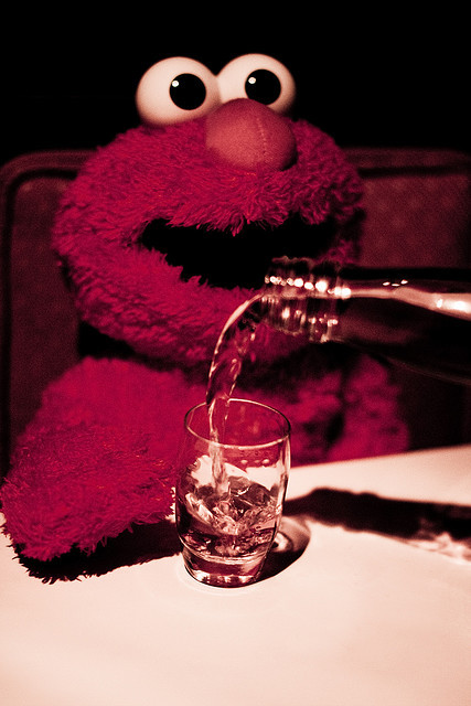 ELMO loves to PARTY! :3