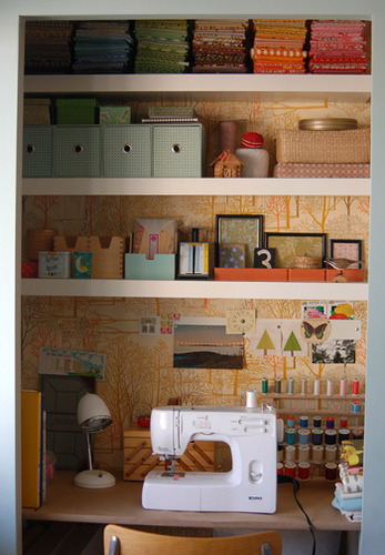 writeclickscrapbook:  lovelydesign: a sewing space