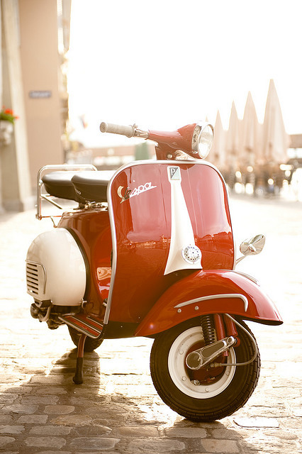 touifi:  eaglepowder: #vespa