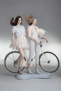 Sretsis Spring Summer 2011 Lookbook new brand love