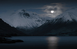 Mountain moonlight…