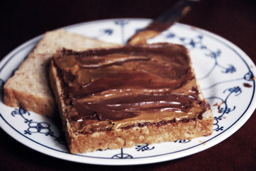 mynameisobel:  Nutella and peanut butter sandwich, you are to yummy for my lifeee