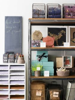 gluestickgirl:  Rethinking The Need For Storage | Apartment Therapy DC