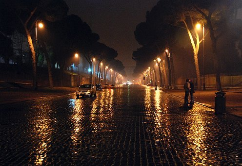 lyember:  Amazing raining street scene.Clicking the link will take you to 34 other amazing pictures.
