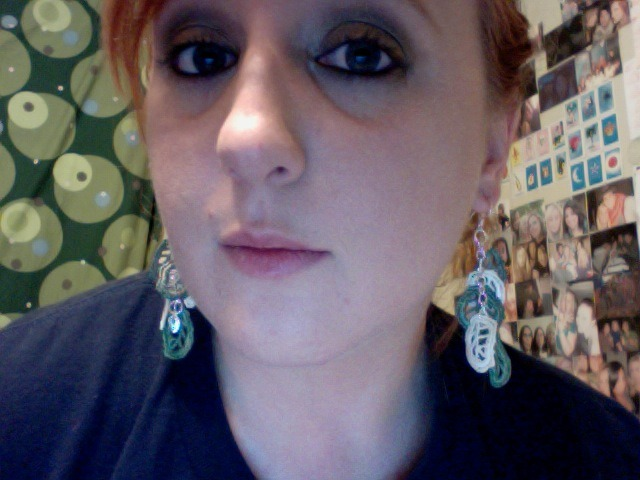 Another picture of the earrings. :)