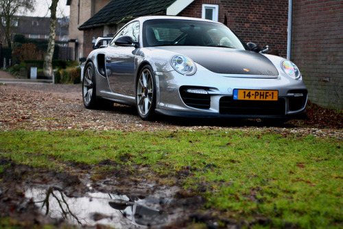 carpr0n:  The new alpha male Starring: Porsche 911 GT2 RS (by Alwin Kroon)