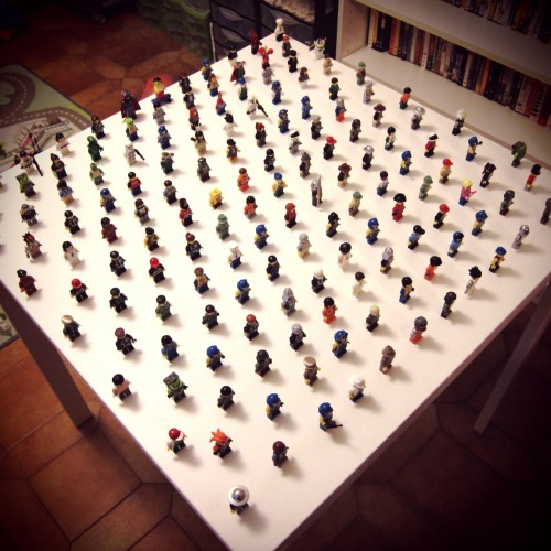 thingsorganizedneatly:  Lego Figurines