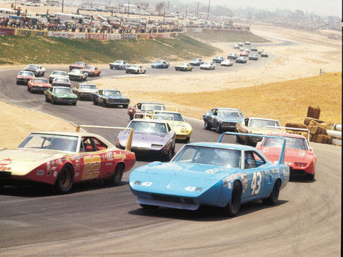 THROWBACK THURSDAY Look at the winged cars leading the pack.