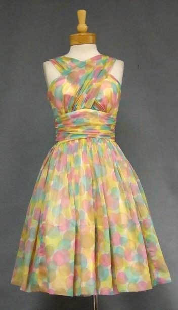 lovelyness:  1960s dress via Vintageous.