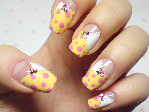 click through for tutorial (in my korean blog) yellow dot nailart