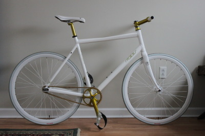 GPOMyOtherBike:  My fixed gear, all complete.  I don't think I ever posted a good (non-iPhone) picture of it before. Gridloc frame, Weinmann Deep V's, Glow in the dark pedals, custom powdercoated stem, spacers, seatpost, Ultegra crank.