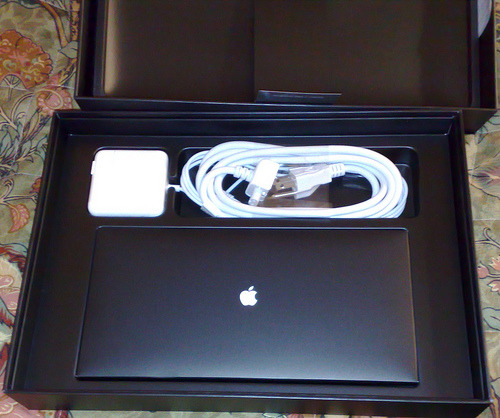 newyorkcrystal:  Hey guys. So my Aunt got me a MacBook air for my birthday but she didn't know that I already have one. I can't take it back. So I decided to give it away to one of my followers on here, it doesn't matter what country you live in. You just have to re-blog this and be following me. I'll pick a random winner on valentines day.
