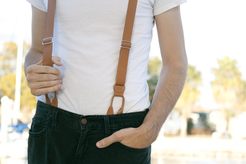 Don't you just love Boyfriend's suspenders? I thought about getting a pair of my own.