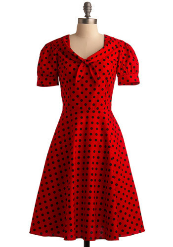 So lovely :)  mamagrubbs:  the ladybird dress