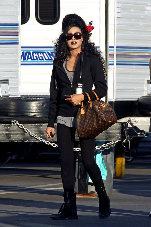 Naya on set