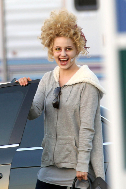 Dianna on set