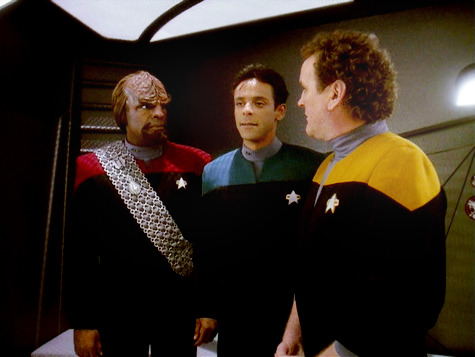 "semiautomaticheart:  Sisko: ""Three of my senior staff, brawling on the Promenade!""O'Brien: ""With all due respect sir, we weren't brawling.""Sisko: ""Maybe you should take a closer look at Dr. Bashir's forehead!""O'Brien: ""Well, he shouldn't have got in the way."""