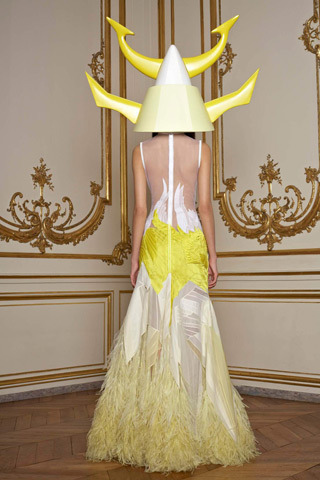 the back of that amazing yellow and sheer white Givenchy