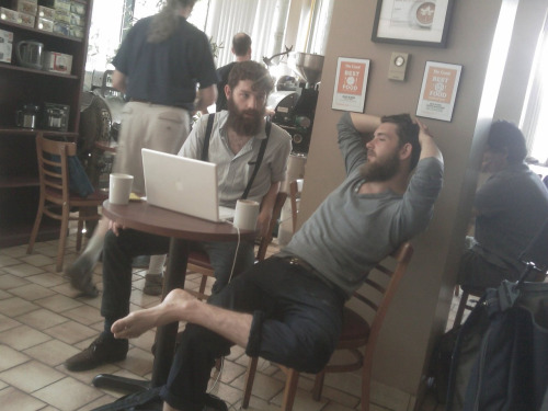 Hipster or Civil War Veteran? This one is easy, the man on the left is wearing Union issue suspenders.