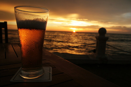 1sri-lanka:  Cold beer @ Galle Face Hotel, Colombo (by Martin Fossum)
