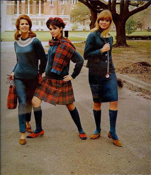 fuckyeah60sfashion:  August, 1966.