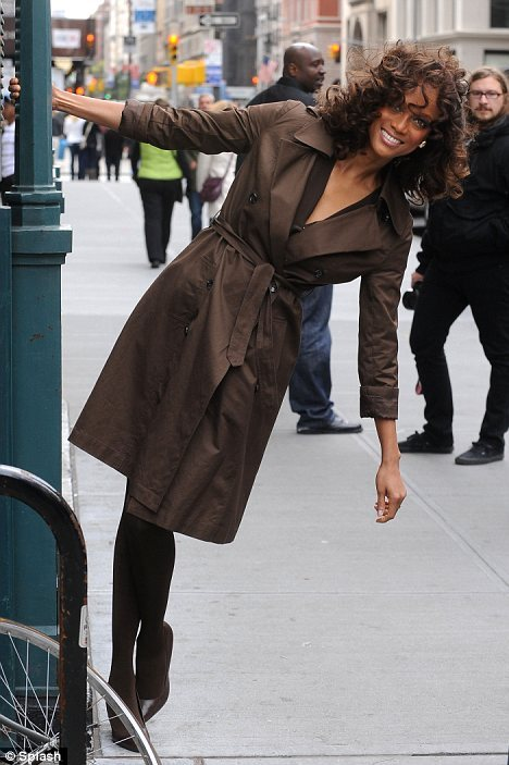 Tyra Banks / 5'10 / approx. 131lbs / 18.8BMI / Normal Weight