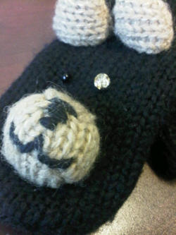 my poor bear mitten lost his eyeball…so i had to give him a glass eye