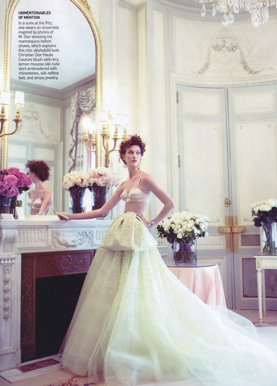 Christian Dior Fall 2009 Haute Couture  French Open Magazine: Vogue US October 2009Photographer: Arthur Elgort Model: Karlie Kloss