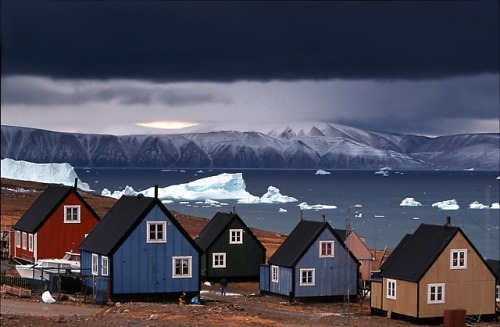 inuitattackatigiit:  Qaanaaq, one of the northernmost towns in the world.