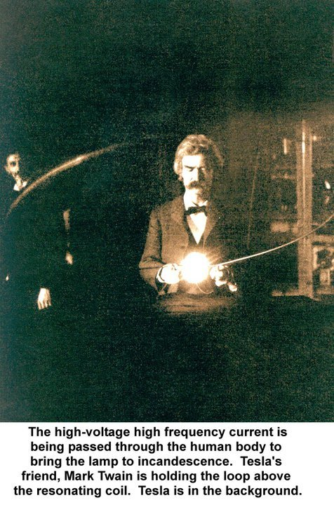 awesomepeoplehangingouttogether:  Mark Twain & Nikola Tesla