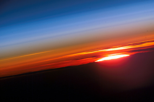 serlenep:  Earth's Sunset In Space