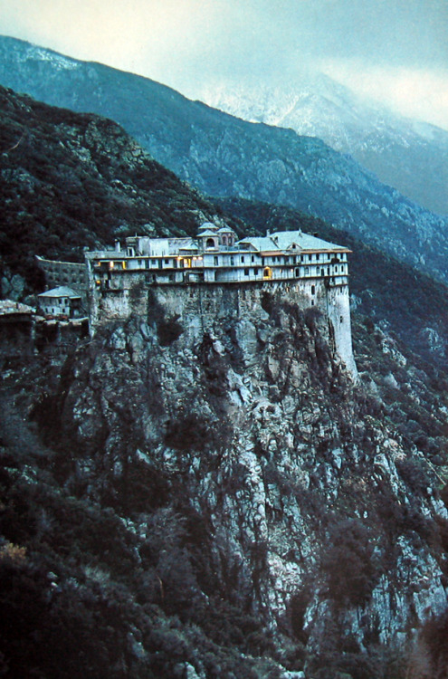 crashinglybeautiful:  James L. Stanfield, Simonopetra Monastery, Mounth Athos, Greece, 1983. Thank you, touba.
