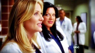 "robbins-torres:  Callie's look + Arizona's smile = <3 :) :D :"">"