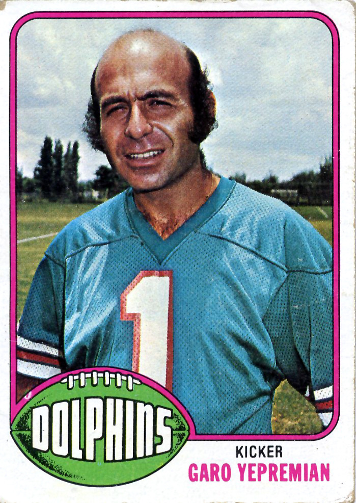 This guy played football. Professional football. (h/t Deadspin) fatshawnkemp:  Football Sundays Garo Yepremian