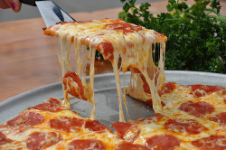 im craving for pizzaaaaaaaaaa :l