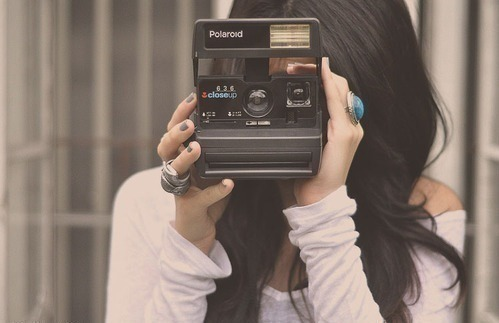 capture life through the lens of a camera <3