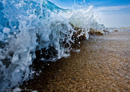 green-stars:  Engulf.  waves