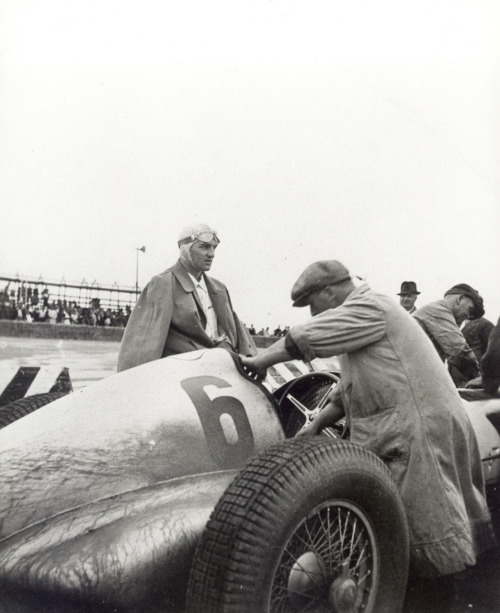Hermann Lang with his mercedes w125.